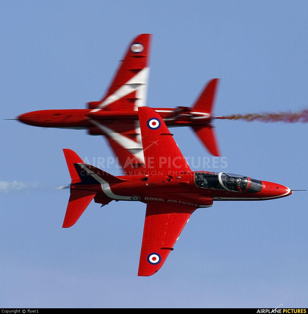 "Royal Air Force ""Red Arrows"" XX319 aircraft at Eastbourne - Off-Airport"