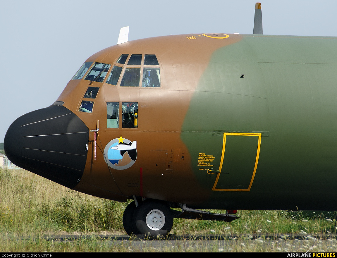 Cameroon - Air Force TJ-XCE aircraft at Bordeaux - Merignac
