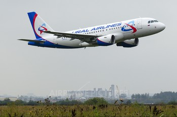 VP-BTE - Ural Airlines Airbus A319