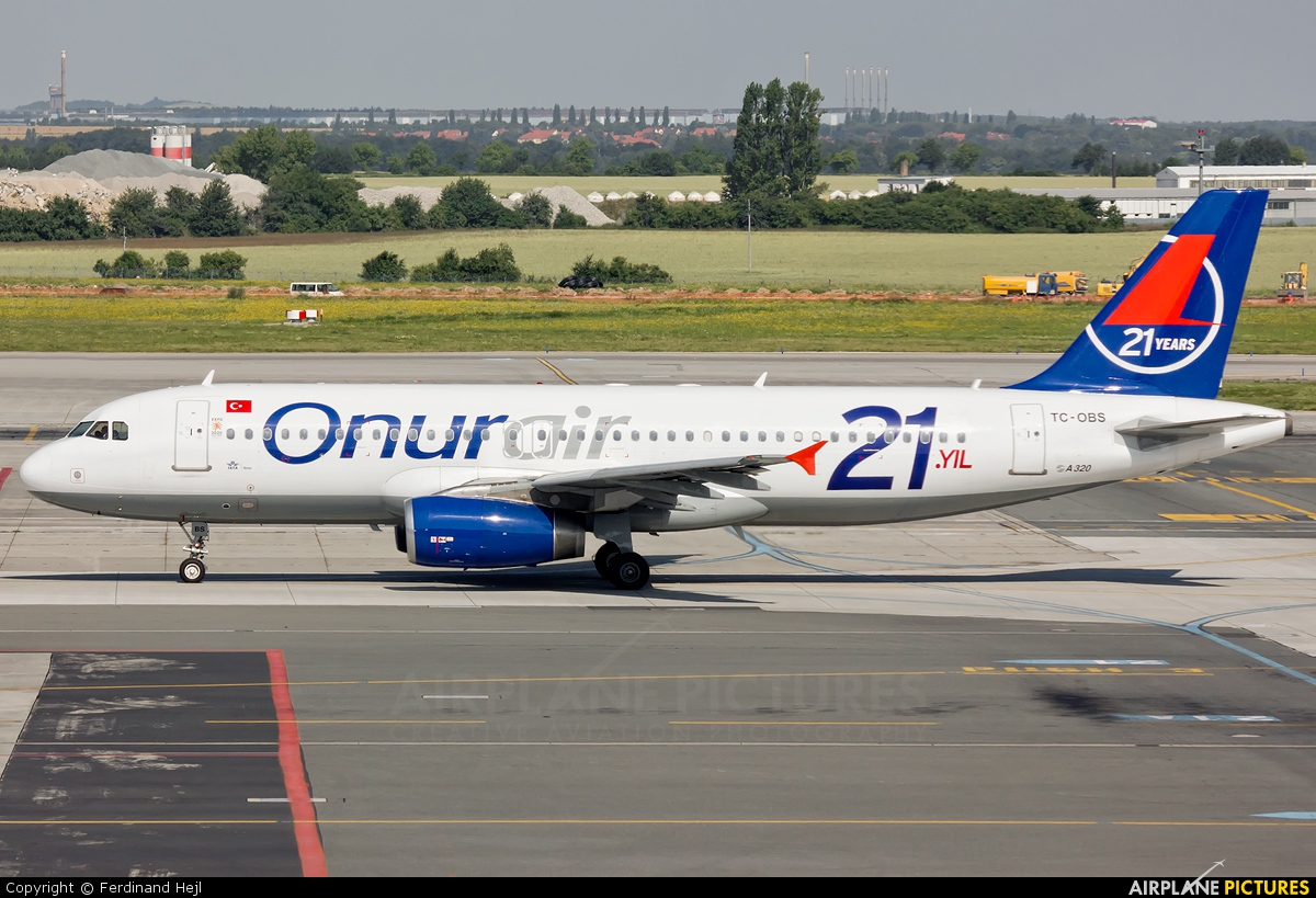 Onur Air TC-OBS aircraft at Prague - Václav Havel