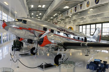 NC16005 - Private Douglas C-47A Skytrain