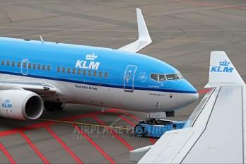 PH-BGX - KLM Boeing 737-700