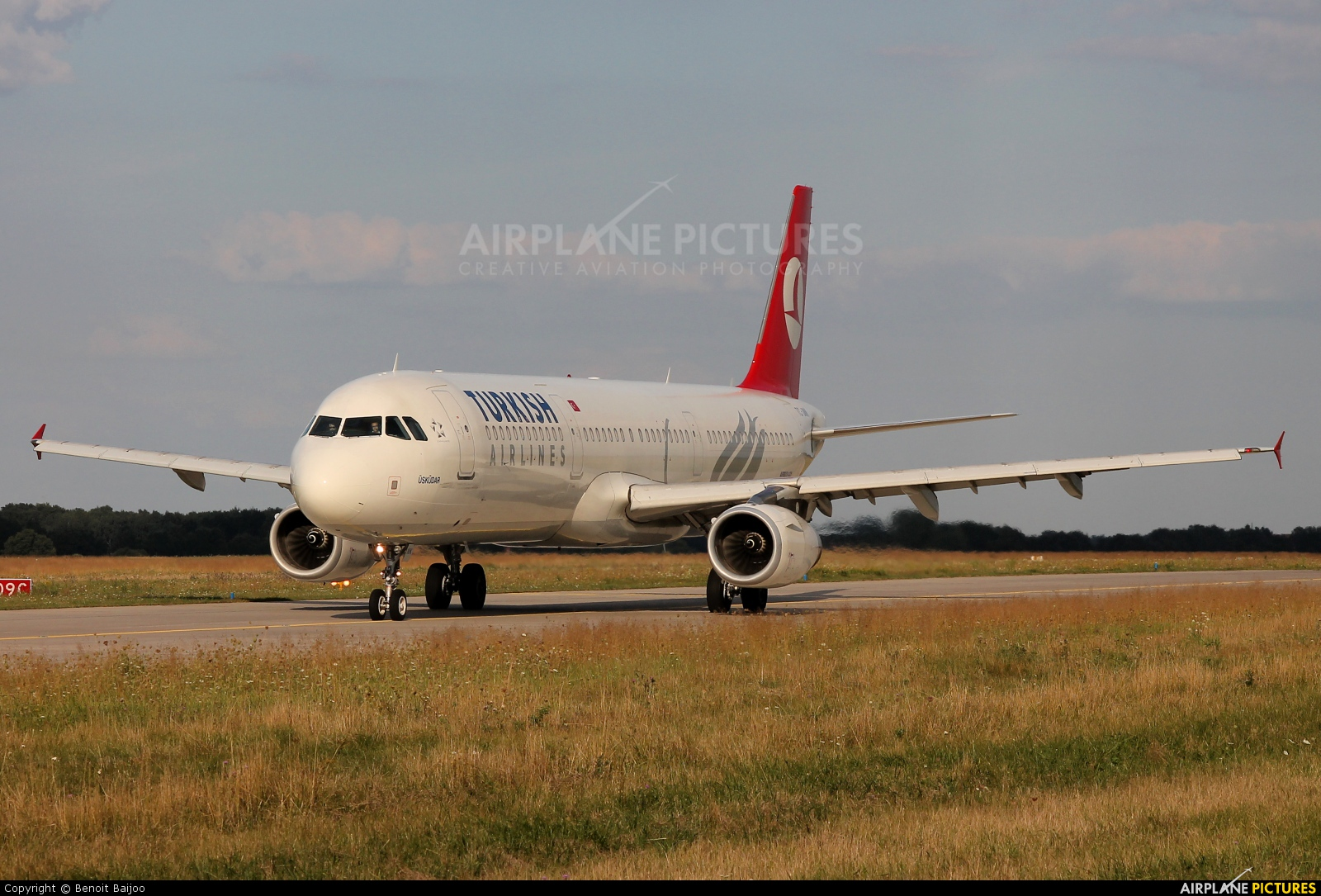 Turkish Airlines TC-JMK aircraft at Hannover - Langenhagen