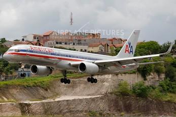 N686AA - American Airlines Boeing 757-200