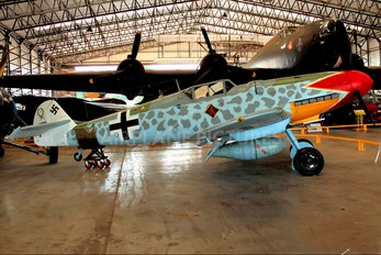- - Private Messerschmitt Bf-109 (Replica)