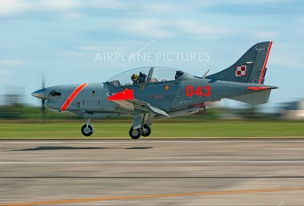 "043 - Poland - Air Force ""Orlik Acrobatic Group"" PZL 130 Orlik TC-1 / 2"