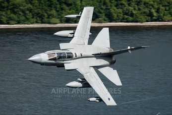ZA472 - Royal Air Force Panavia Tornado GR.4 / 4A