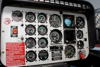 HR-AUM - Private Bell 206L Longranger