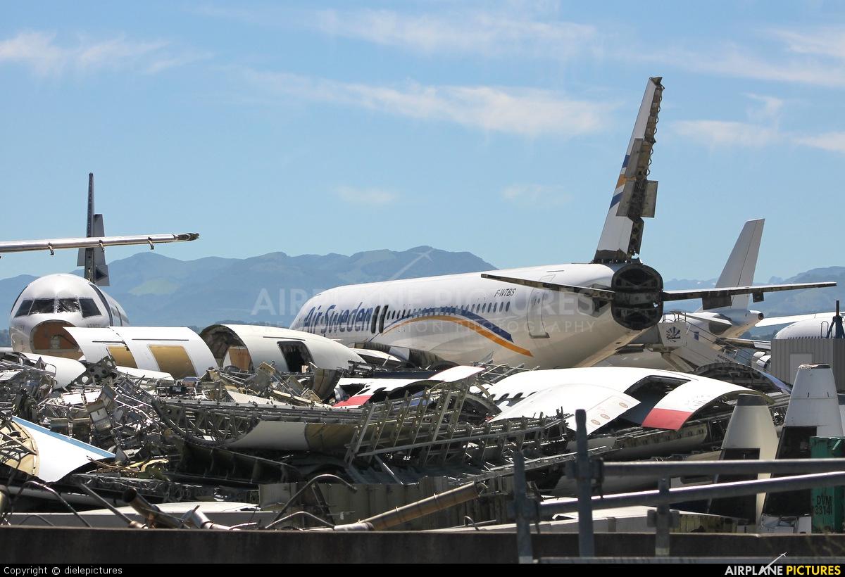 Air Sweden SE-RJM aircraft at Tarbes / Lourdes - Ossun