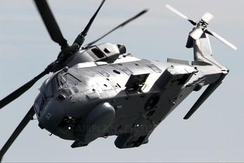 ZH853 - Royal Navy: Royal Marines Agusta Westland AW101 111 Merlin HM.1