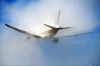9V-SRG - Singapore Airlines Boeing 777-200ER