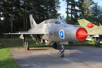 MK-103 - Finland - Air Force Mikoyan-Gurevich MiG-21U