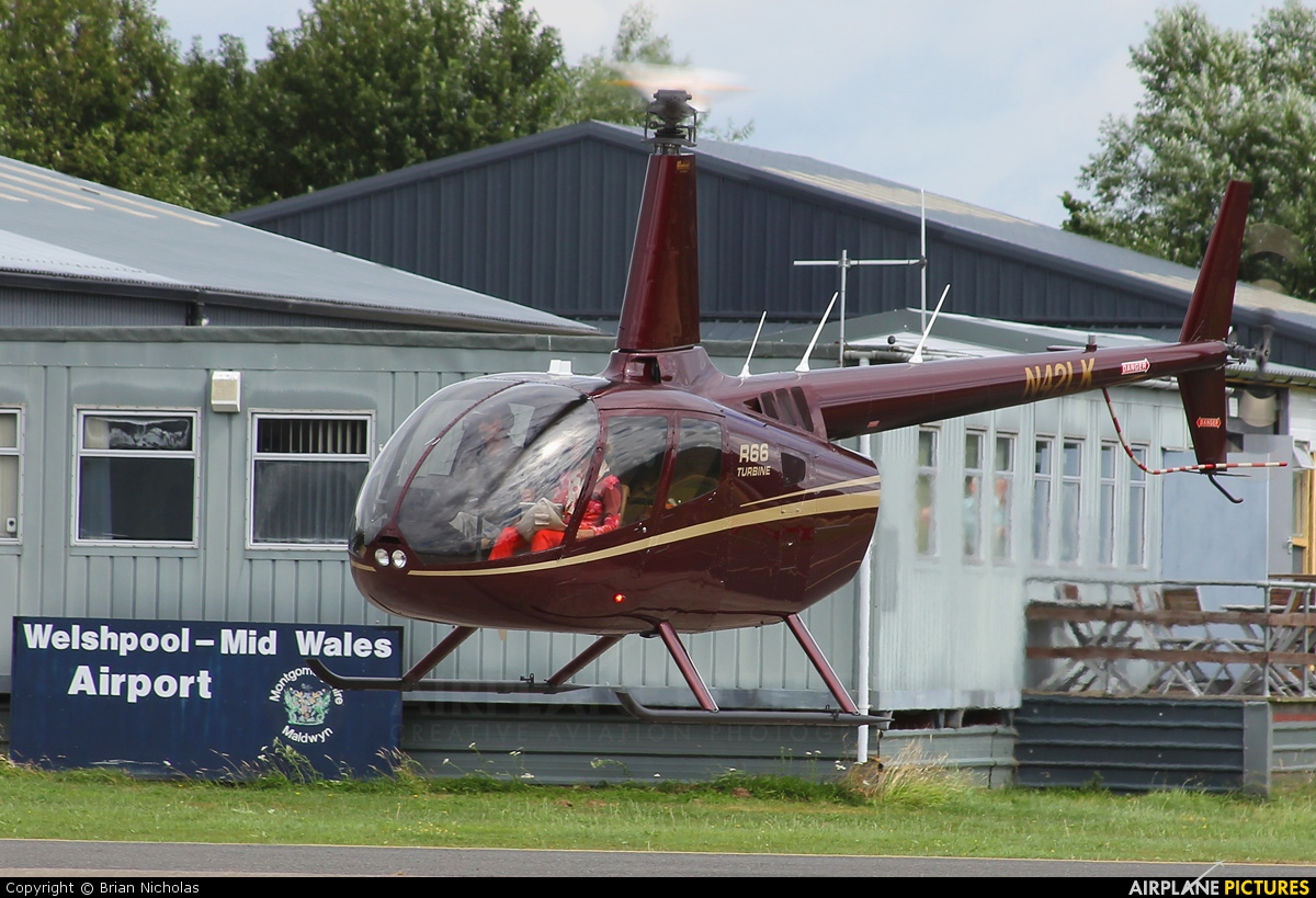 Private N42LK aircraft at Welshpool