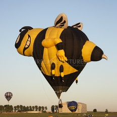 PT-ZMF - Private RVB Balloons SS-32-BEE