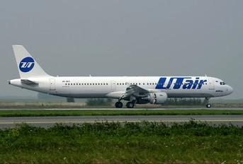 VP-BPS - UTair Airbus A321