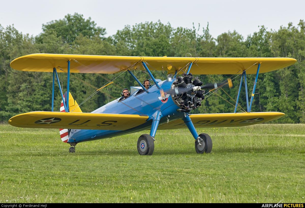 Private N62188 aircraft at La Ferté-Alais