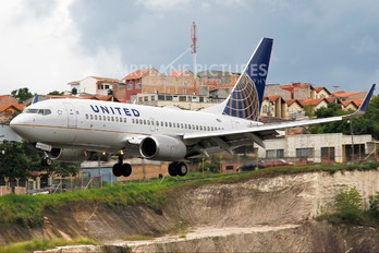 N24702 - United Airlines Boeing 737-700