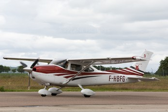 F-FBFG - Private Cessna 182 Skylane (all models except RG)