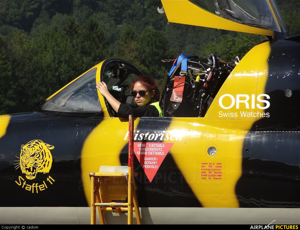 - Aviation Glamour - aircraft at Mollis