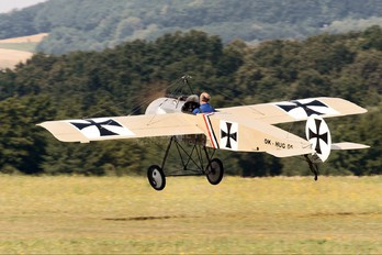 OK-HUG05 - Private Fokker E III (replica)