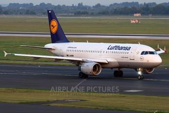 D-AKNH - Lufthansa Airbus A319
