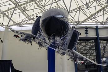 157267 - USA - Navy McDonnell Douglas F-4J Phantom II