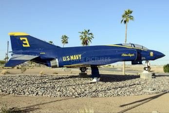 151979 - USA - Navy : Blue Angels McDonnell Douglas RF-4C Phantom II