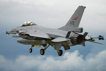 672 - Norway - Royal Norwegian Air Force General Dynamics F-16A Fighting Falcon