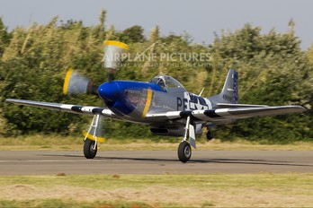 N4034S - Private North American P-51D Mustang