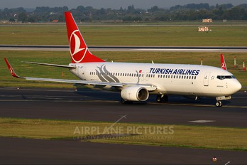 TC-JGF - Turkish Airlines Boeing 737-800