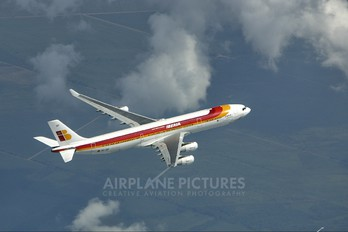 EC-IDF - Iberia Airbus A340-300