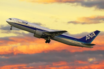 JA8324 - ANA - All Nippon Airways Boeing 767-300