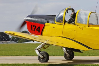 G-BEPV - Private Fokker S-11 Instructor