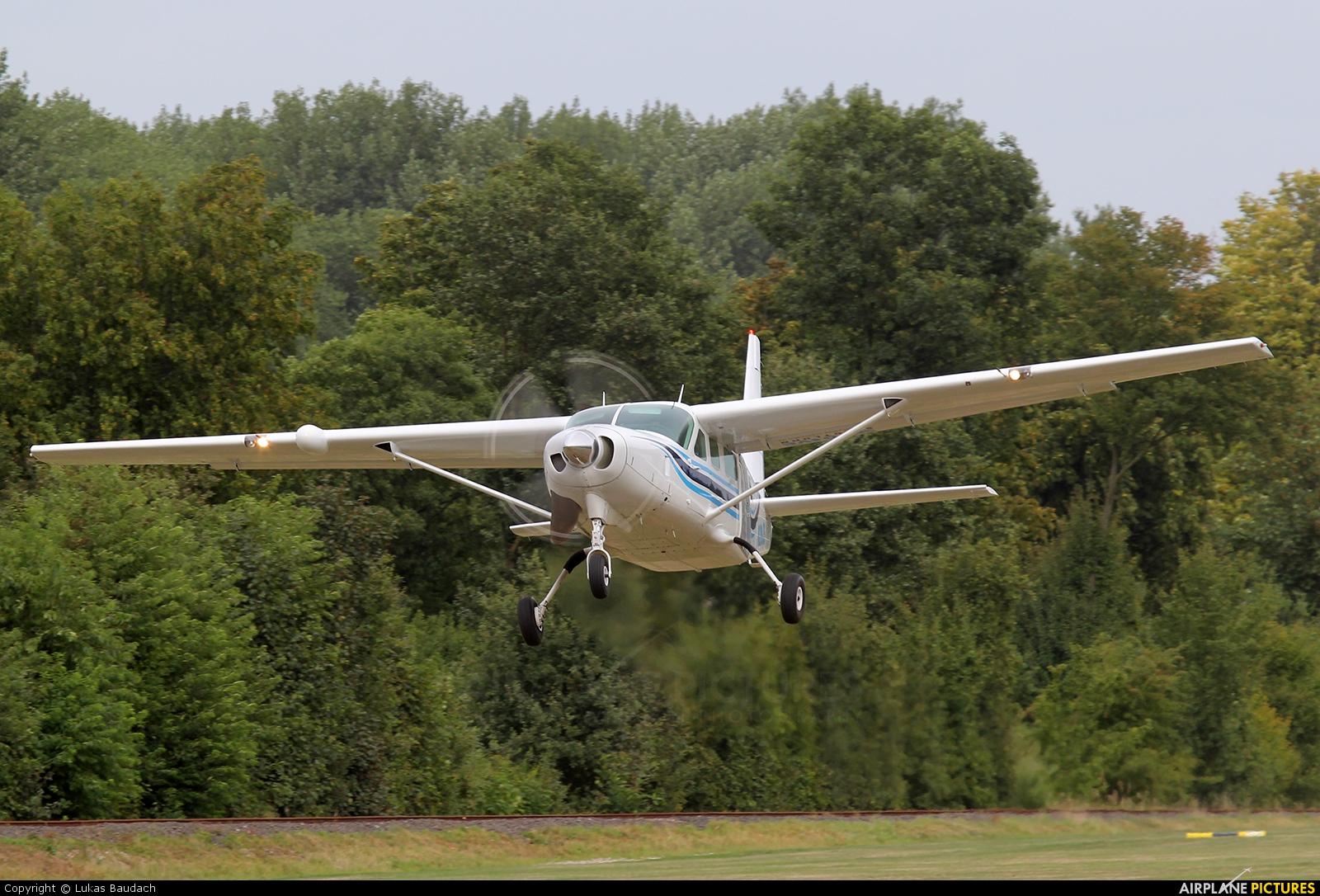 N209JA - Skydive Stadtlohn Cessna 208 Caravan at Marl