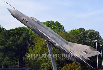 22813 - Serbia - Air Force Mikoyan-Gurevich MiG-21MF
