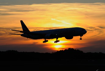 A6-EWD - Emirates Airlines Boeing 777-200LR