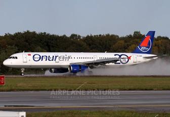 TC-OAN - Onur Air Airbus A321