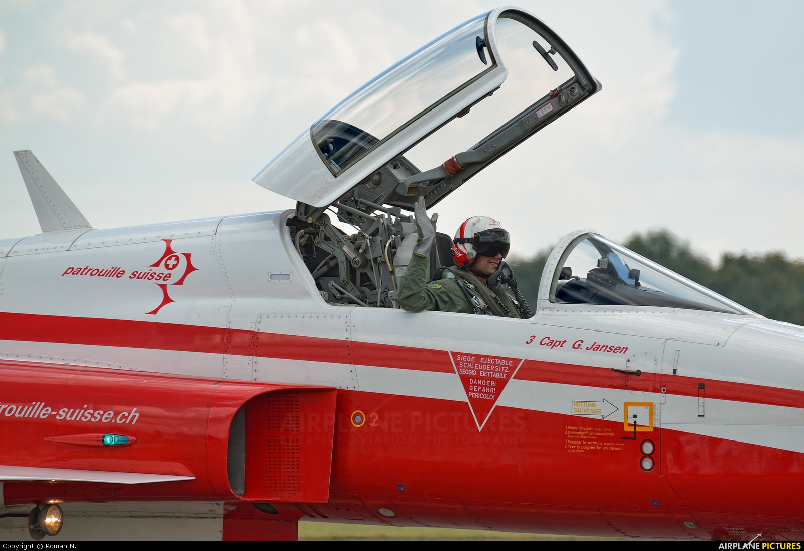Switzerland - Air Force:  Patrouille de Suisse J-3082 aircraft at Radom - Sadkow