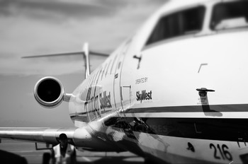 - - Alaska Airlines - Skywest Canadair CL-600 CRJ-700