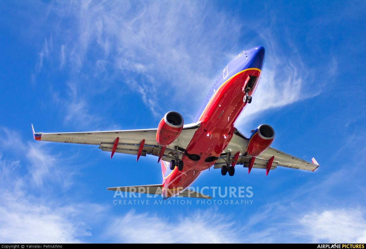 Southwest Airlines N785SW aircraft at New York - La Guardia