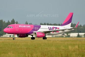HA-LWU - Wizz Air Airbus A320