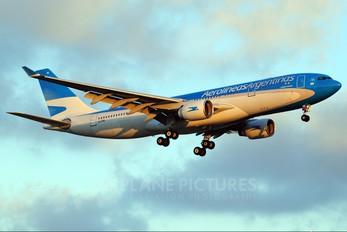LV-FNI - Aerolineas Argentinas Airbus A330-200