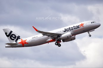 JA15JJ - Jetstar Asia Airbus A320