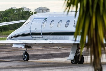 - - Private Learjet 31