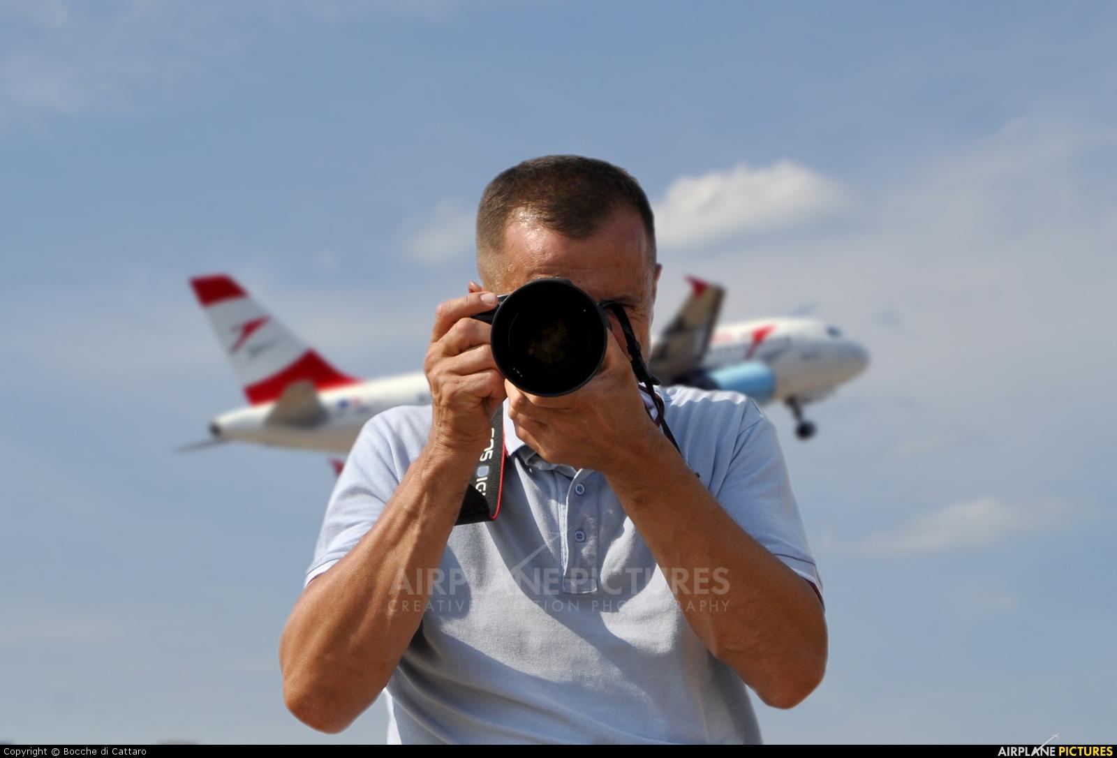 - Airport Overview - aircraft at Split - Kaštela