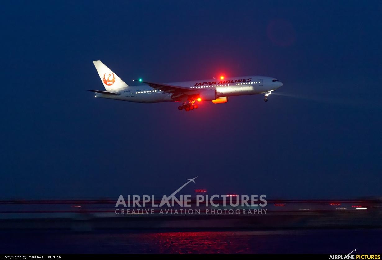 JAL - Japan Airlines JA8982 aircraft at Tokyo - Haneda Intl