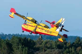 UD.14-02 - Spain - Air Force Canadair CL-415 (all marks)