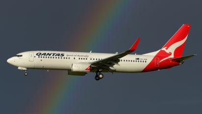 VH-XZH - QANTAS Boeing 737-800