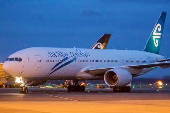 ZK-OKA - Air New Zealand Boeing 777-200ER