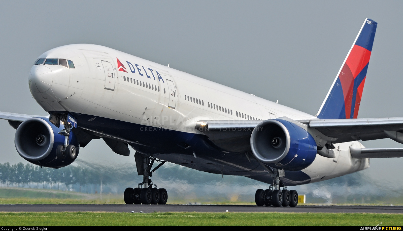 "CEO's ""aircraft bubble"" comments rock aviation world 